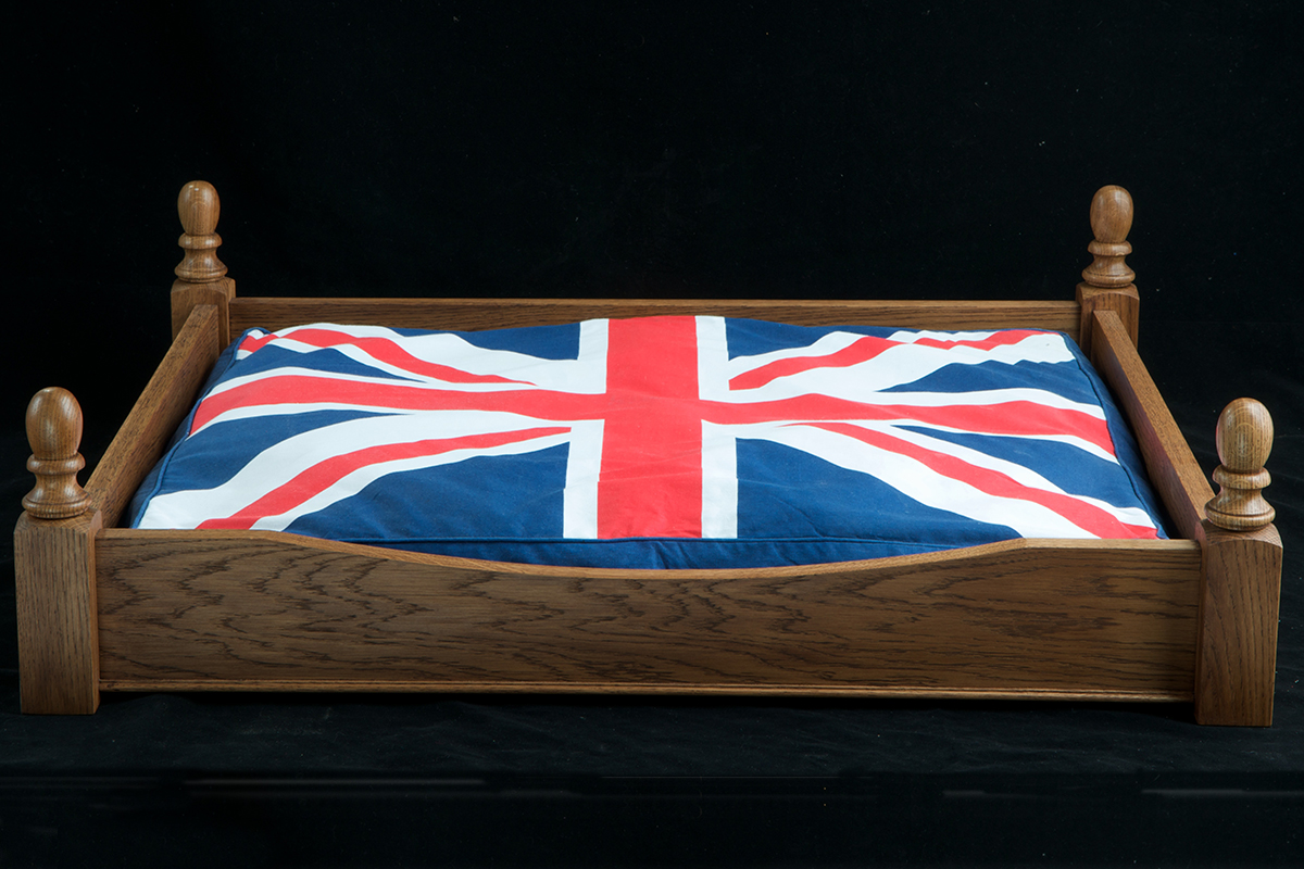 A4-Large-Oak-Bed-Dark-Oak